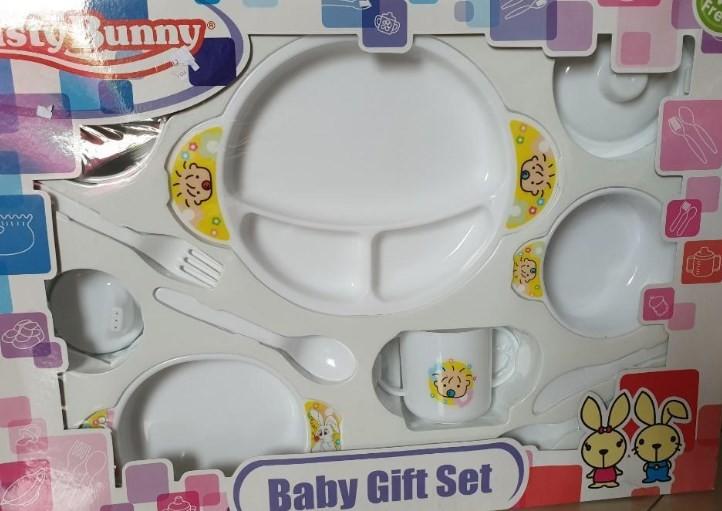 Tips Memilihkan Perlengkapan Makan Bayi yang Aman