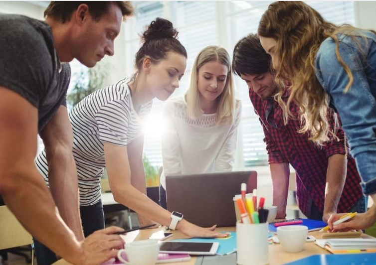 7 Tips Memotivasi Para Pekerja Generasi Milenial Berkembang