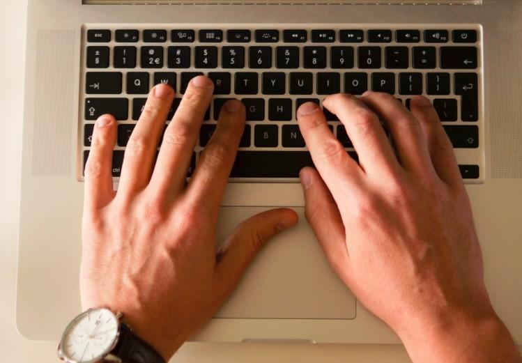 8 Tips Mudah Untuk Bisa Menulis Blog Untuk Pemula